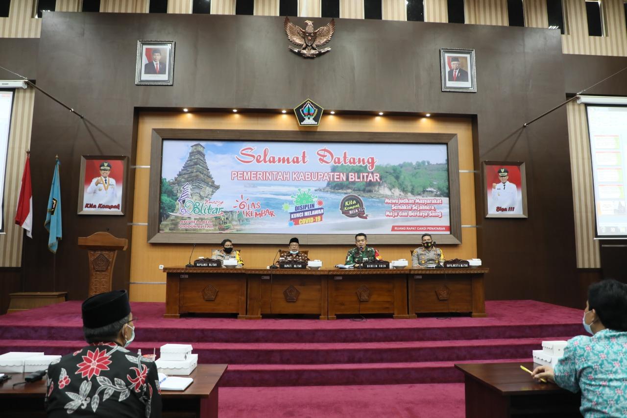 Bupati Blitar Pimpin Rapat Evaluasi Penanganan Covid-19, Dorong Pembentukan Tangguh Semeru di Sektor Pelayanan Publik